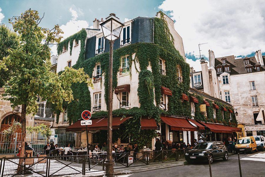 Guided-Tour-Walking-Paris-Marias