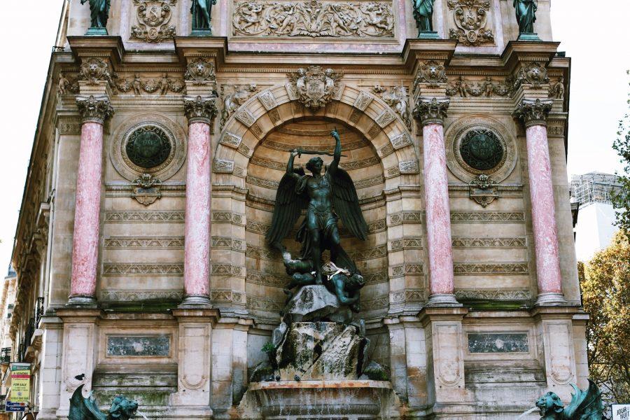 Tour-Paris-Quarter-Guided-Latin
