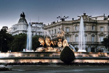 Palacio Real de Madrid + Old City Center Tour – Skip-the-Line Semi-Private Guided Combo Tour