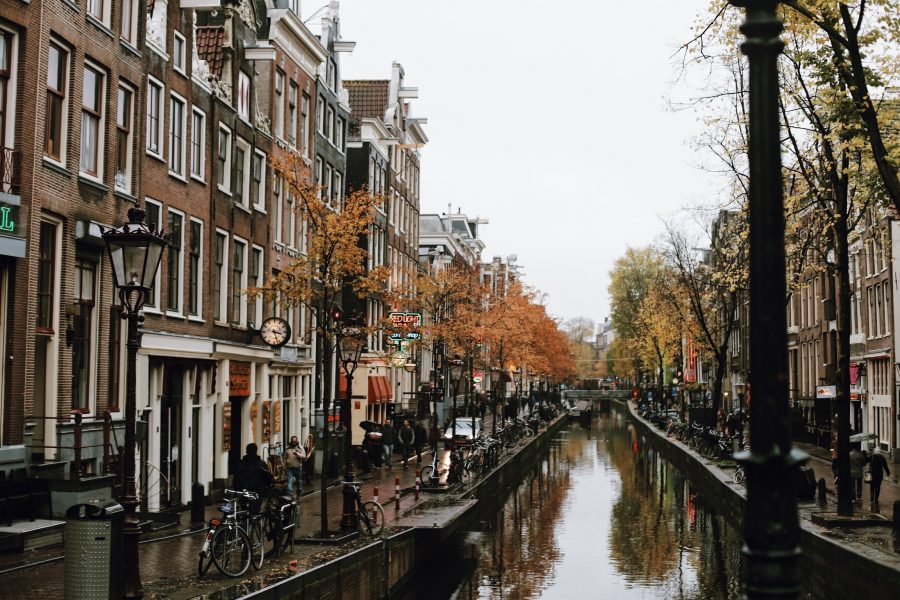 Amsterdam-Guided-Tour-City-Walking
